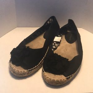🚨2 for $25🚨 Lane Bryant Flats (Size: 10W)